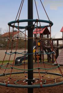Klettergerüst im Außenspielbereich